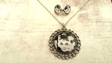 Handgemaakte ketting met Audrey Hepburn zwart wit